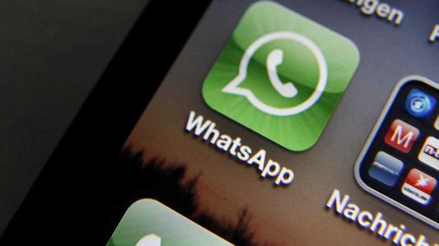 chat, whatsapp, Mark Zuckerberg, Sicilia, Società