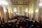 Legge elettrale, il 40% dei voti per diventare sindaco ma cala il quorum per la sfiducia