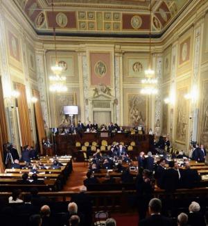 """Ars, approvata la Finanziaria in giunta ma il governo cade in aula su una """"leggina"""""""