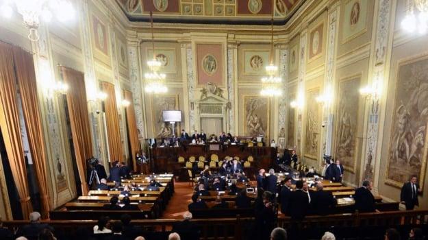 Legge massoneria Sicilia, Sicilia, Politica