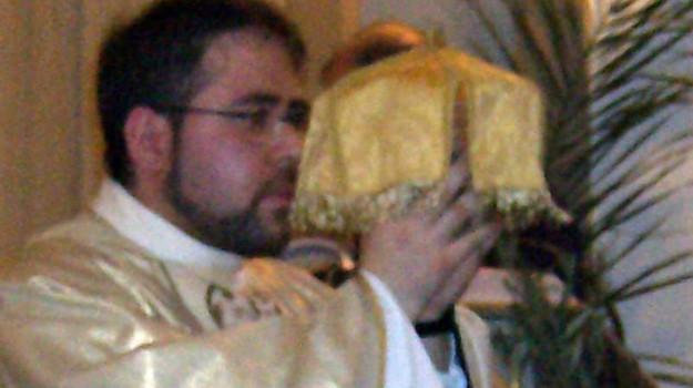 parroco abusi minori palermo, Roberto Elice, Palermo, Cronaca