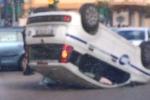 Incidente a Palermo: si ribalta auto della Ksm, 2 agenti feriti