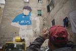 """Restaurato murales nel centro storico: Maradona """"torna"""" a Napoli - Foto"""