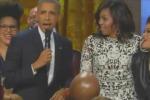 Obama rende omaggio a Ray Charles e canta alla Casa Bianca