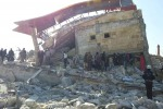 """La Francia condanna i bombardamenti ai danni di civili in Siria: """"Crimini di guerra"""""""