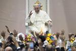 """Papa Francesco: """"La Chiesa non vuole soldi sporchi di chi sfrutta il lavoro"""""""
