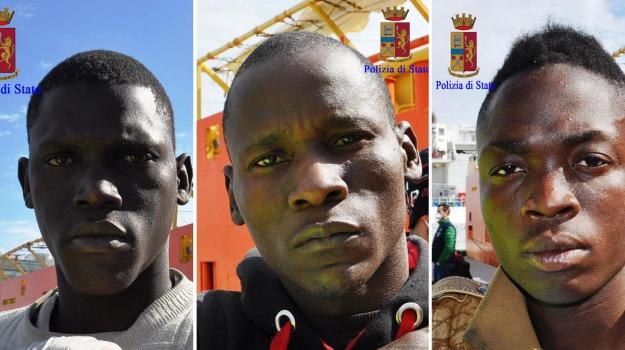 immigrazione, migranti, porto di pozzallo, scafisti, Ragusa, Migranti e orrori