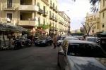 Bancarelle in corso Tukory, il traffico è fuori controllo e le auto restano bloccate
