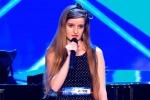 """Look da liceale ma voce da """"indemoniata"""": l'esibizione choc a Italia's Got Talent"""