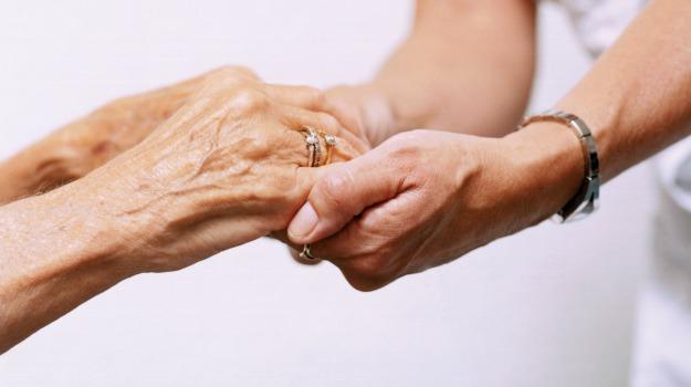 Anziani e disabili: via all'assistenza a Trapani