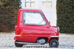 Venduta all'asta per oltre 150 mila euro l'auto più piccola del mondo - Foto