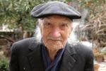 E' morto Minicu Di Mauro, pittore dei carretti siciliani
