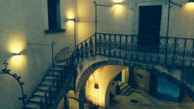 albergo diffuso, borgo dei borghi, paese-albergo, rione saraceno, sambuca di sicilia, Agrigento, Economia