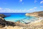 Malato terminale muore in barca a Lampedusa, era il suo ultimo desiderio