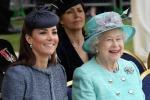 """Kate Middleton parla della (sua) regina: """"E' la mia dolce guida"""" - Foto"""