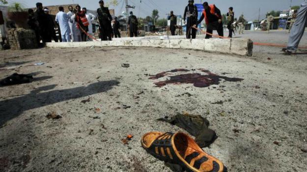 bomba autobus, impiegati del governo uccisi, Pakistan, Sicilia, Mondo