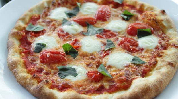 benefici, Pizza, Sicilia, Società