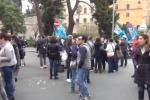 La nuova protesta dei lavoratori Almaviva a Palermo: il video