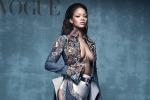 La scollatura hot di Rihanna su Vogue - Foto