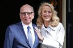 Rupert Murdoch sposa a Londra l'ex moglie di Mick Jagger - Foto