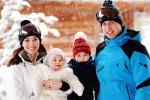 William e Kate, la royal family in vacanza sulla neve: le nuove foto