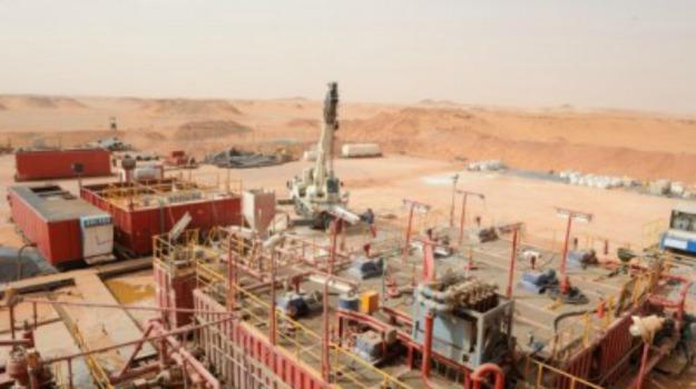 Algeria, deserto del sahara, impianto petrolifero, statoil, Sicilia, Mondo