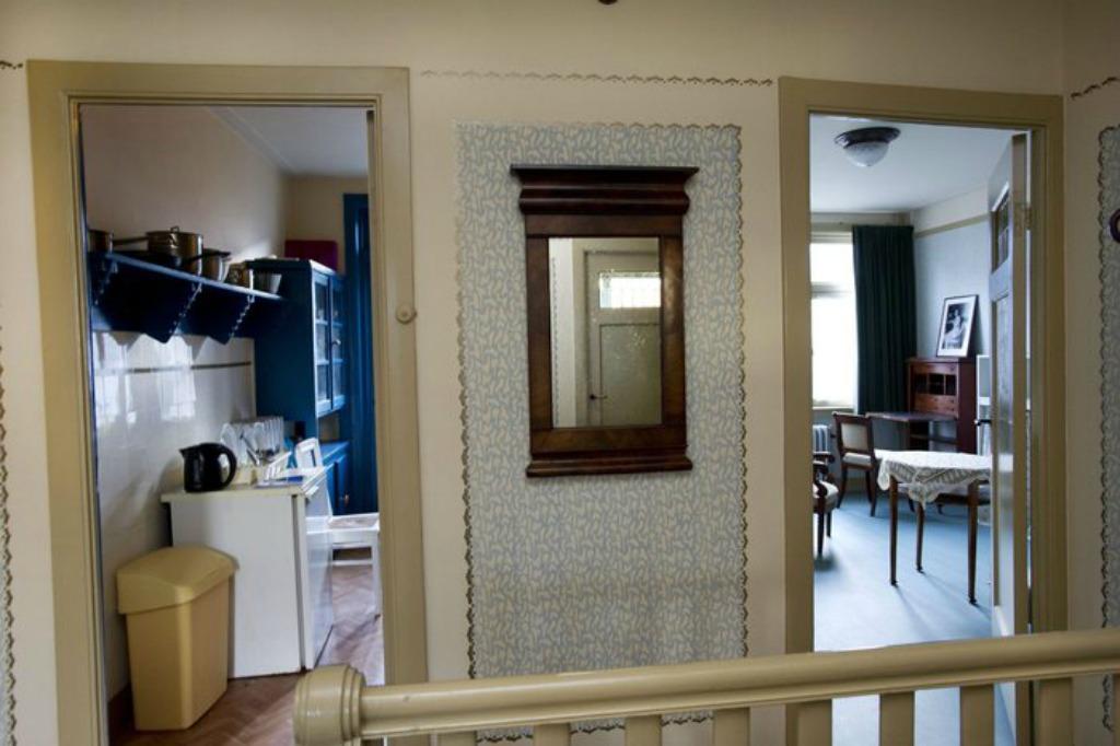 Allestita una escape room come la casa di anna frank pioggia di polemiche giornale di sicilia - Casa anna frank ...