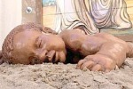 San Biagio, gli Archi di pane ricordano il piccolo Aylan