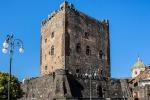 Adrano, fuochi pirotecnici colpiscono il Castello