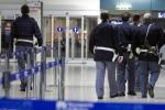 Più controlli ma aperto a chi non viaggia Il Falcone-Borsellino dopo Bruxelles - Video
