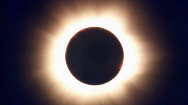eclissi solare, prima eclissi solare, Sicilia, Società