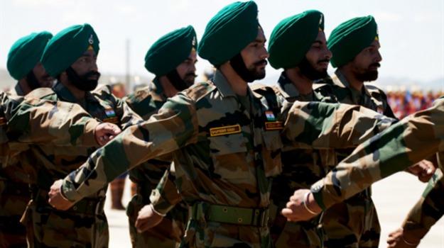 candidati in mutande, esercito indiano, india, rischio frodi, Sicilia, Mondo