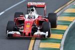La Ferrari di Vettel in testa dopo il via