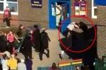 Gran Bretagna, mega rissa tra mamme in un asilo - Video