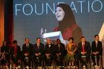 """Insegna la """"non violenza"""", premiata dal Papa una maestra palestinese"""