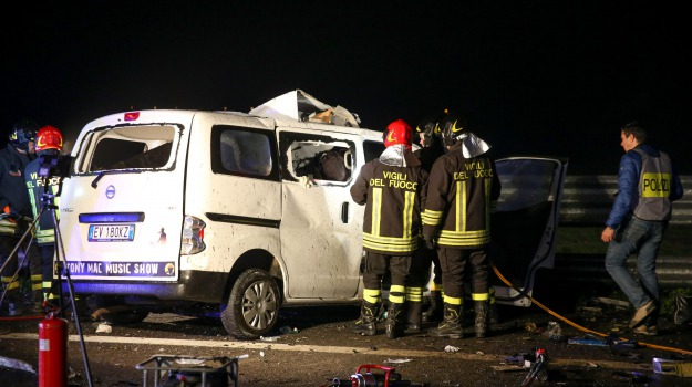 incidente autostrada, Tony Mac Music Show, Sicilia, Cronaca
