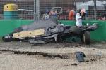 Gp d'Australia, terribile incidente per Alonso: auto a pezzi, ma pilota illeso - Foto e Video