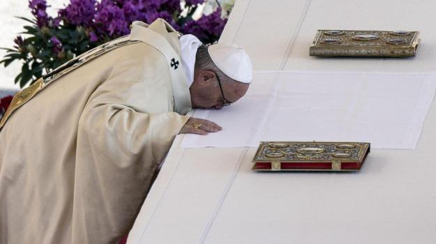 Città del Vaticano, messaggio Urbi et Orbi, papa, Pasqua, Papa Francesco, Sicilia, La chiesa di Francesco