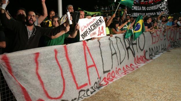 Brasile, proteste, Lula, Sicilia, Mondo