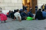 """L'Austria: """"Nessun muro anti-migranti al Brennero"""". Scontri nel corteo dei Black bloc"""