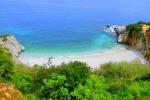 Riserva dello Zingaro – Sicilia. Un posto incredibile per godere della natura e farsi un bagno in zone veramente selvagge. Si giunge alle calette solo ed esclusivamente a piedi lungo la riserva che si estende per oltre 1700 ettari. Un piacere giungere alle varie spiagge e poter trascorrere dei momenti di relax intensi.