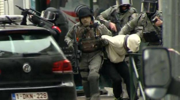 arrestato terrorista, attentato, bruxelles, strage di parigi, Sicilia, Mondo