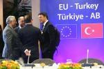Intesa Ue-Turchia sui migranti, al via ai rimpatri da domenica