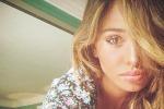 Ancora un cambio look, Belèn torna bionda: le foto sui social