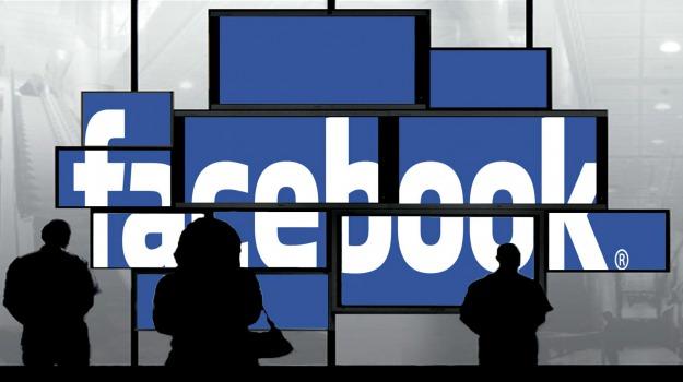 facebook, Sicilia, Società