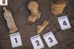 Pergusa, ritrovati reperti archeologici a casa di un pregiudicato - Foto