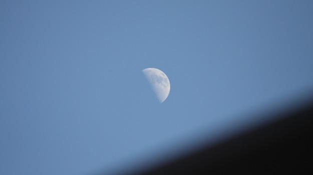 luna, spettacolo, Sicilia, Società
