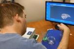 Paralizzato muove la mano grazie ad un chip nel cervello: è il primo test al mondo