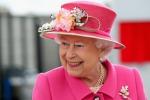 Auguri Elisabetta, la Regina compie 90 anni: le foto di una vita per il regno