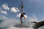 Sorpreso da uno squalo: paura per un surfista in Florida